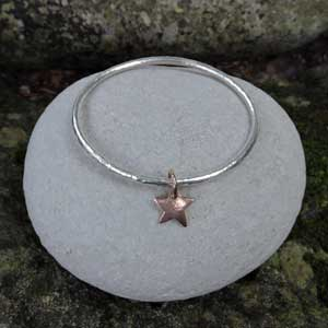 Rose-Gold-Star-bangle-300