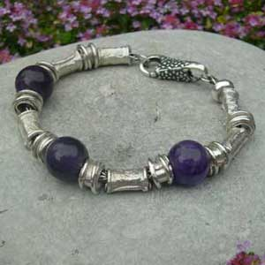 silver and amethyst beaded bracelet